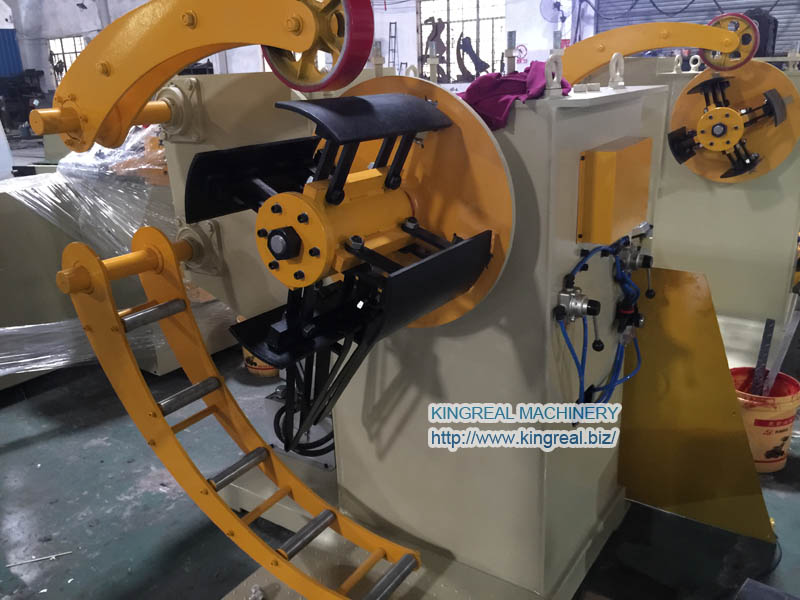 automatic material decoiler